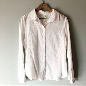 Passport | NWT White Embroidered Button Down Top M